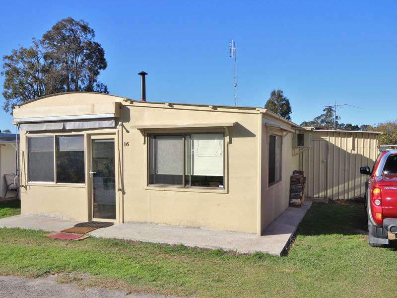 A016 / 99  Princes Highway  , Eden