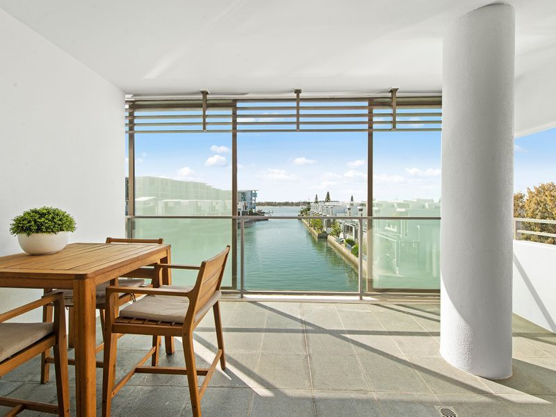 7304 / 2 Ephraim Island, Paradise Point