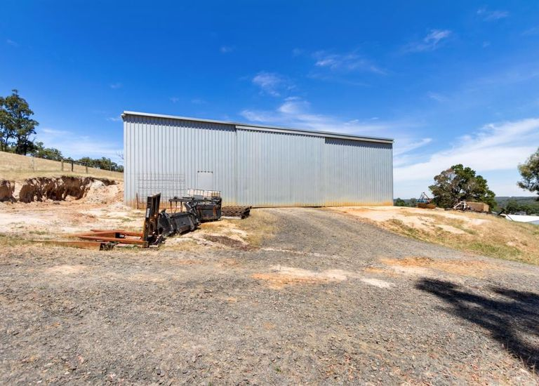 8 Butts Hill Road, Gormandale