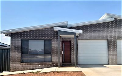 2 / 57 Kingham Street, Tamworth