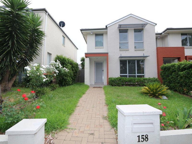 158 Stanhope Parkway, Stanhope Gardens