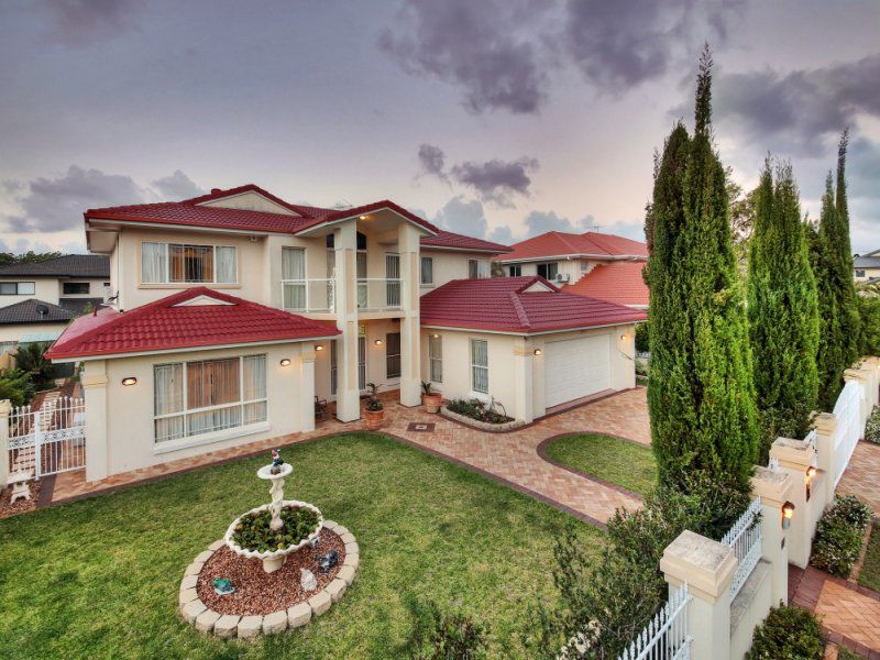 10 Grassland Place, Sunnybank Hills