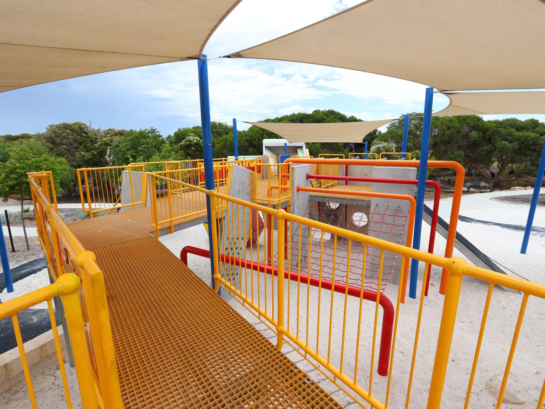 5 Fernleaf Loop, Piara Waters