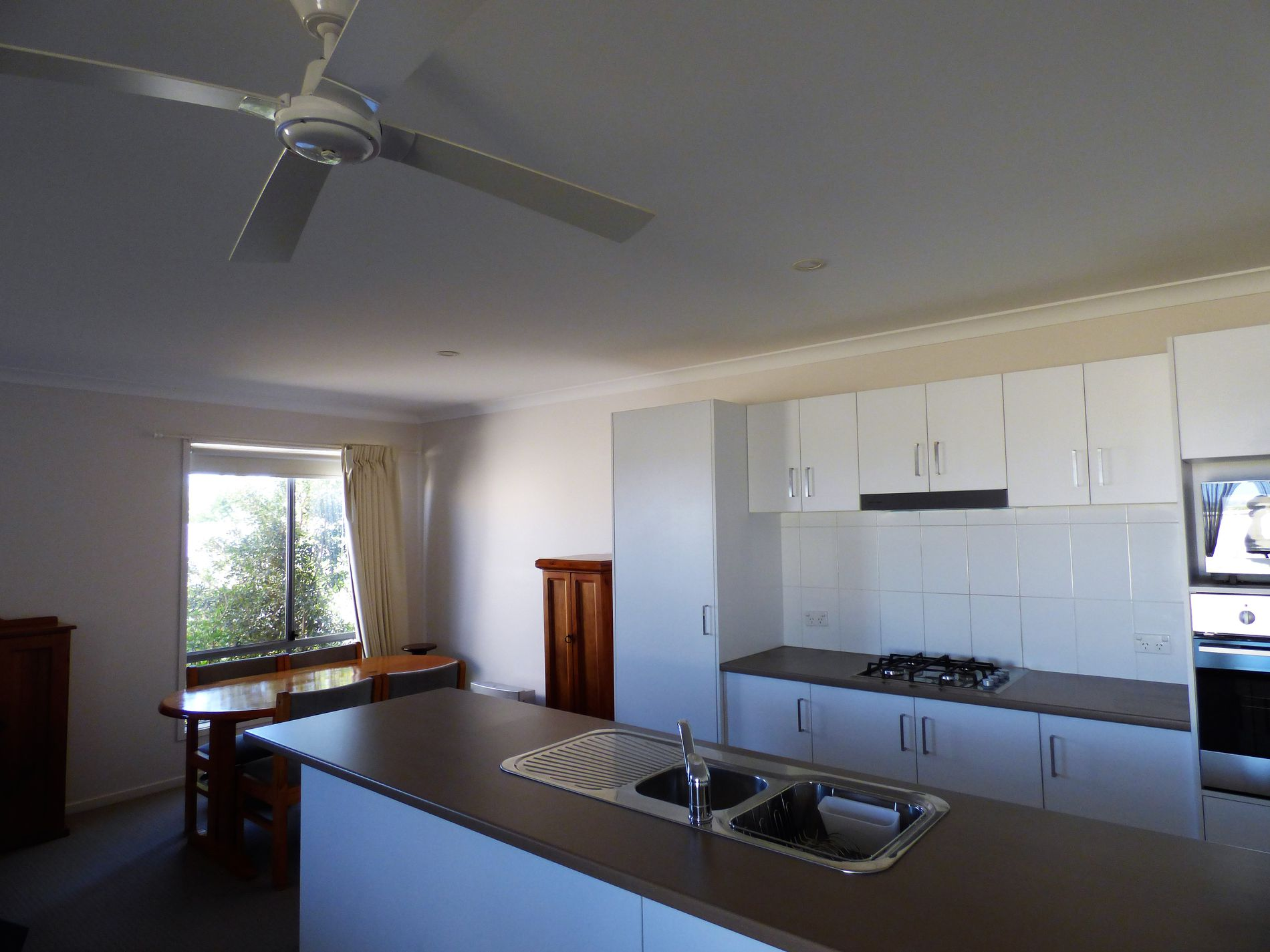 33 Little Road, Griffith