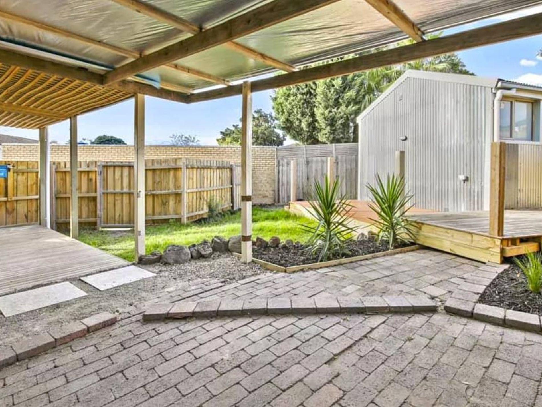 4 Melina Court, Endeavour Hills