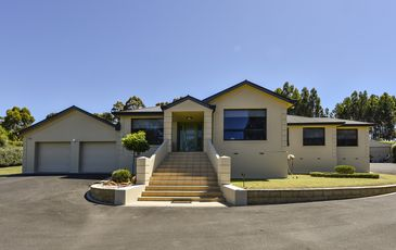4 Fairway Court, Worrolong
