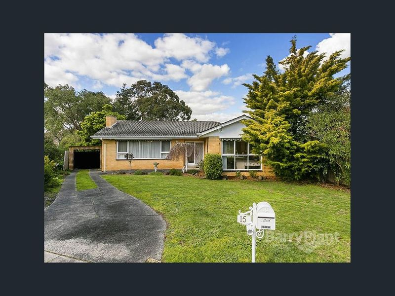 15 Packham Crescent, Glen Waverley