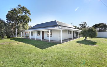 13 Albert Road, Meningie
