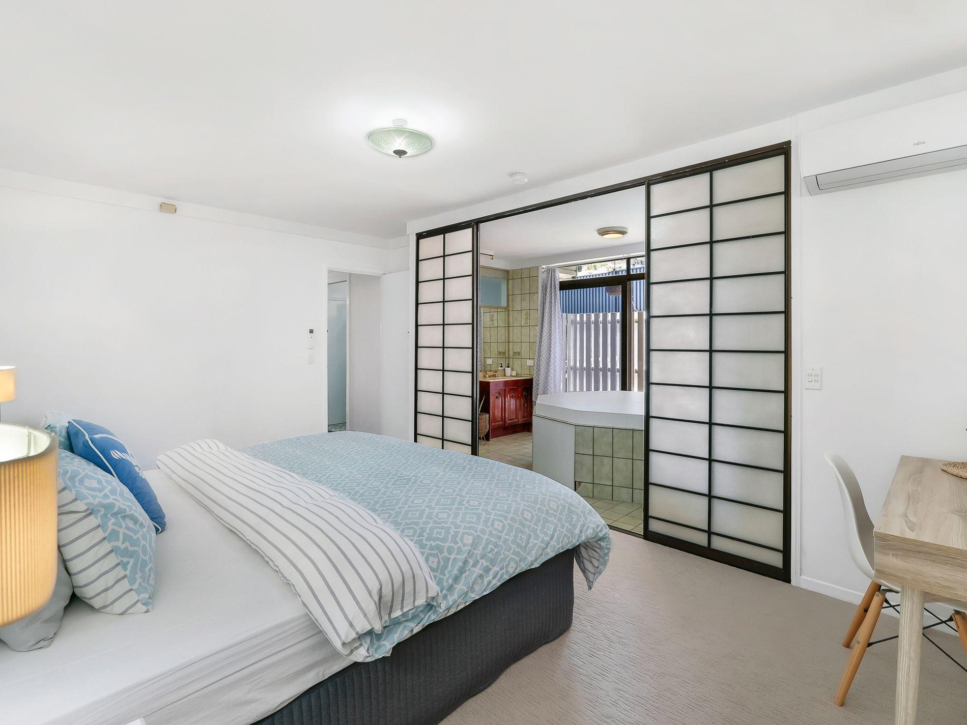 100 Dutton Street, Coolangatta