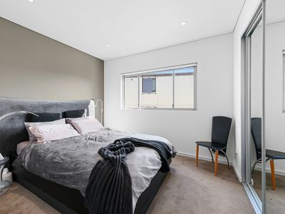 127 / 54A Blackwall Point Road, Chiswick