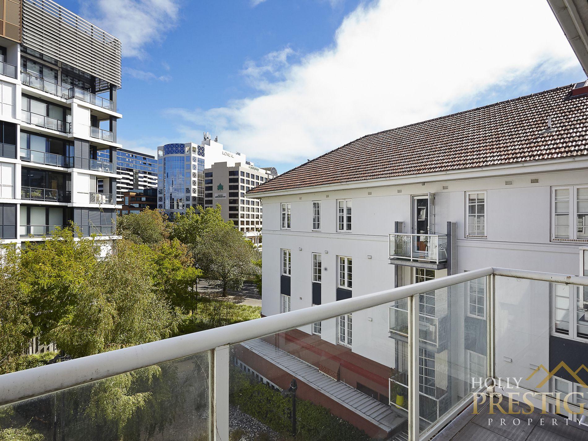 301 / 9 Commercial Road, Melbourne