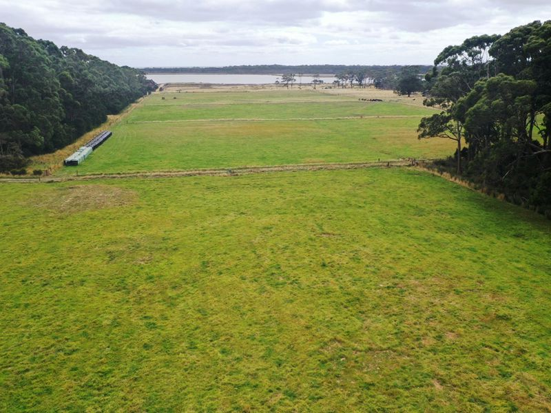98 Bay Road, Smithton
