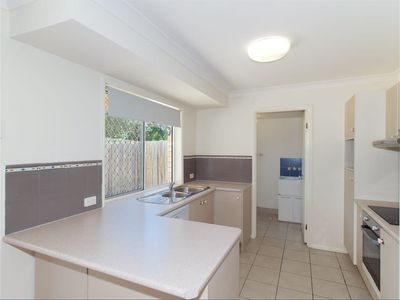 15 / 100 Bordeaux St, Eight Mile Plains