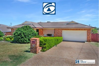 99 GLENGARVIN DRIVE, Oxley Vale