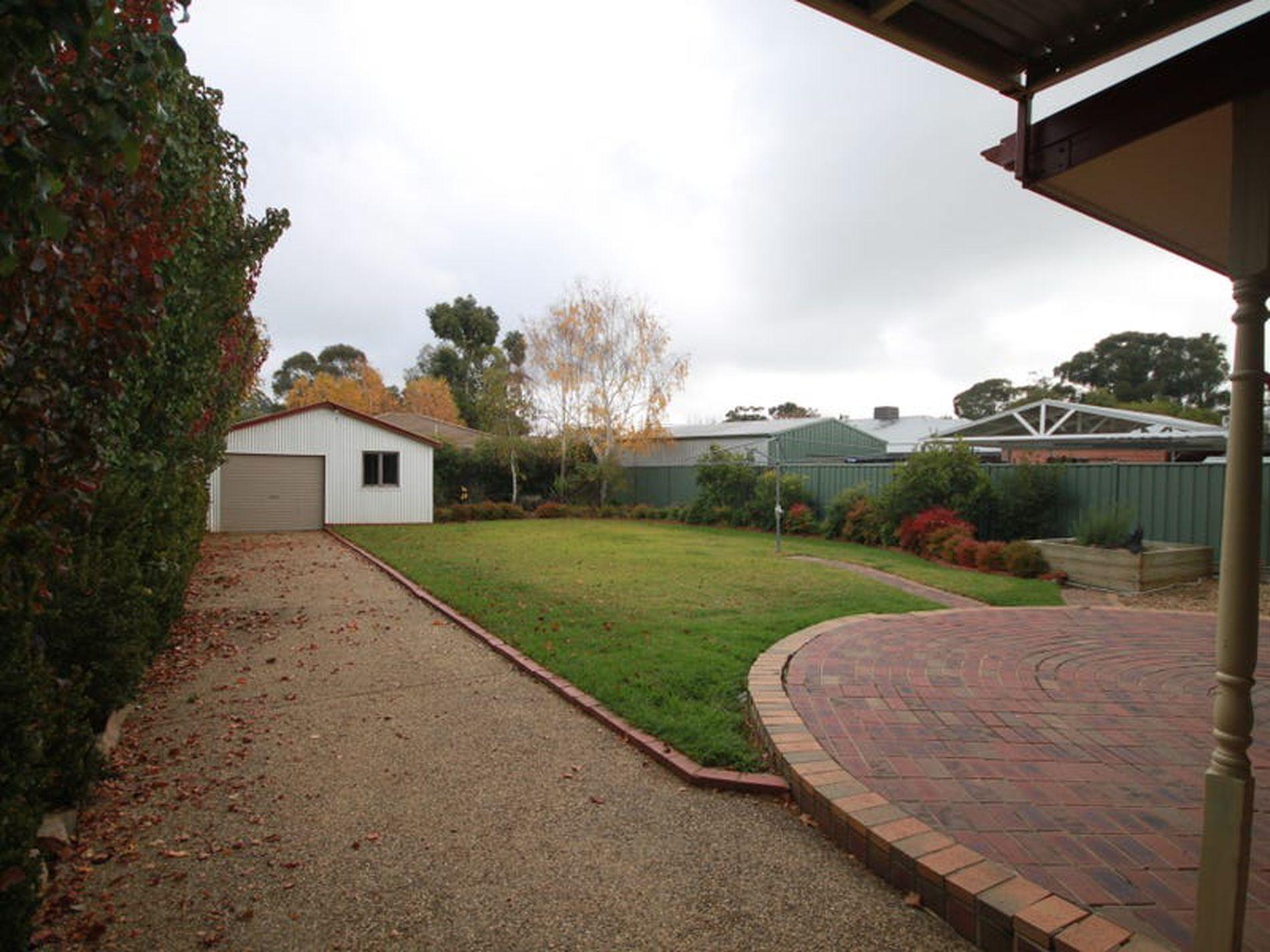 14 Murdoch Road, Wangaratta