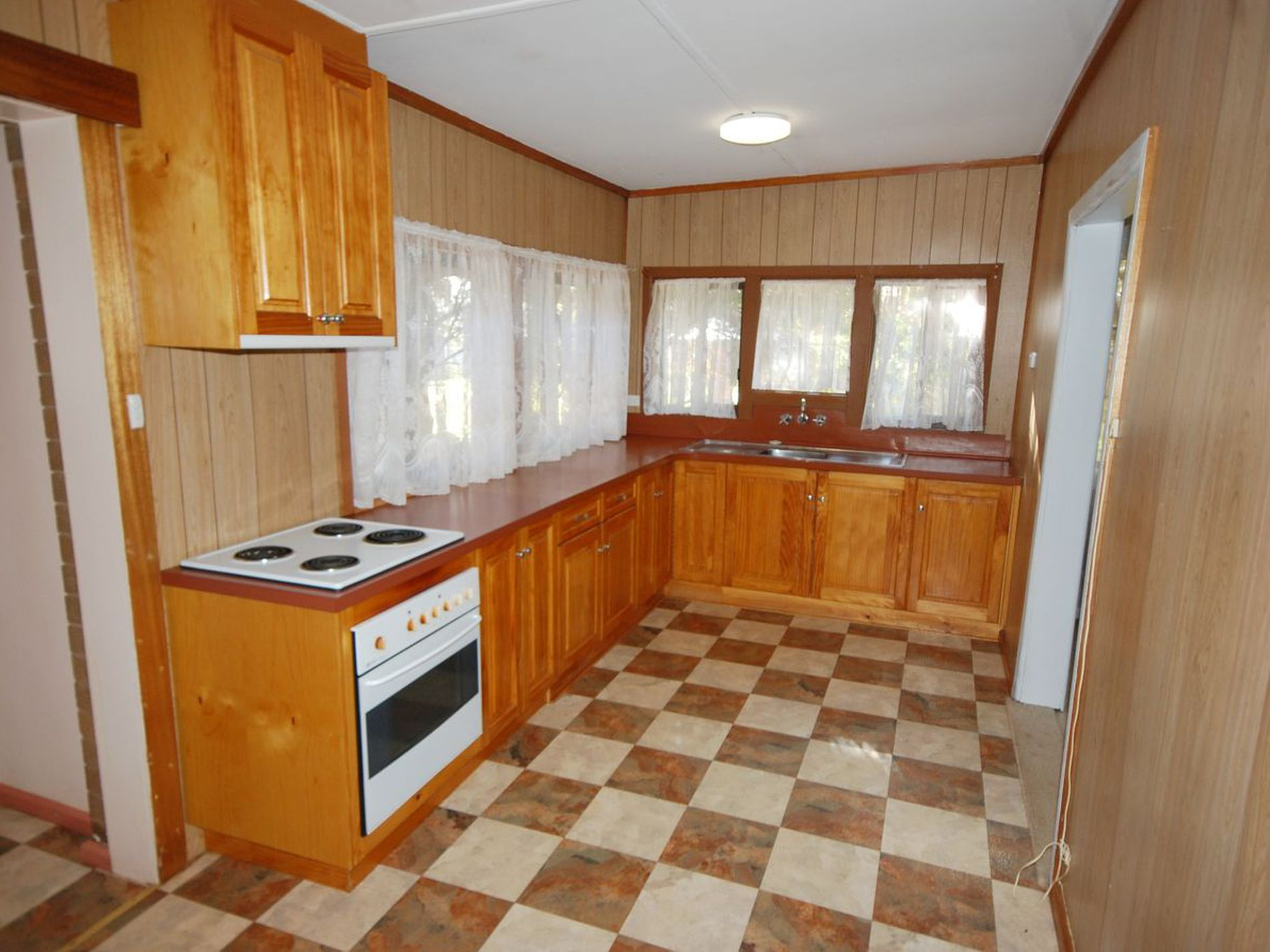 1197 Collins Road, Griffith
