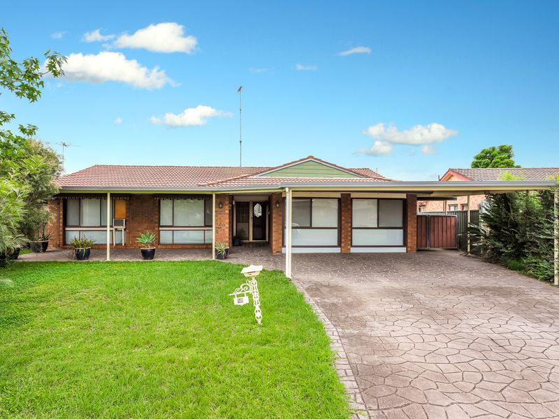 57 Horseshoe Circuit, St Clair