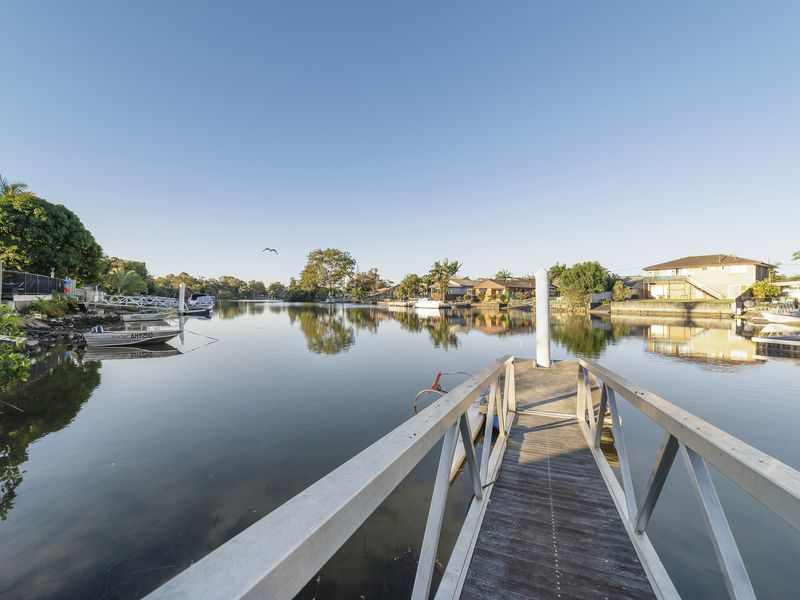 21 The Lakes Drive, Tweed Heads West