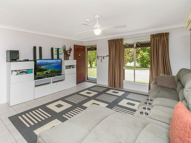 28 Eildon Close , Munruben