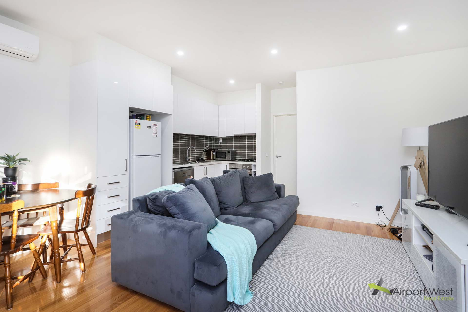 4 / 137 Bowes Avenue, Airport West