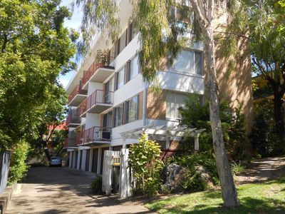 4 / 20 McIlwraith Street, Auchenflower