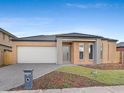 10 Bluewater Drive, Point Cook