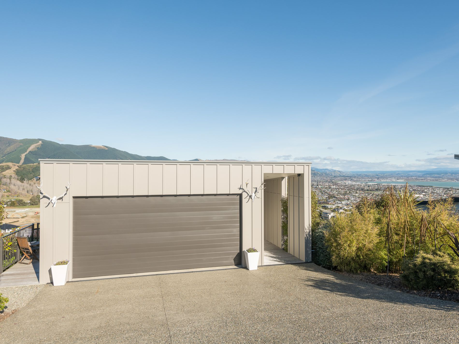 376 Princes Drive, Britannia Heights