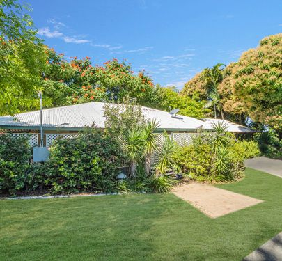 38 Stagpole Street, West End