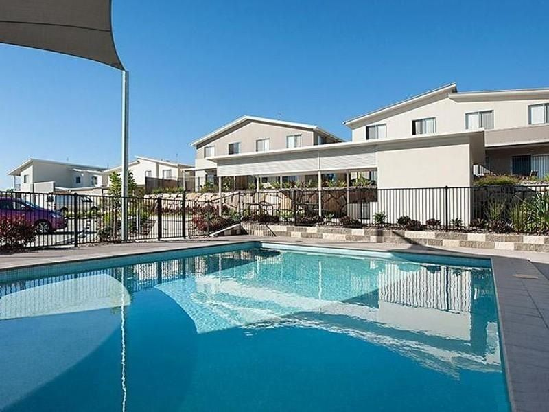 Townhouse 15 / 2 Photinia Cres, Mountain Creek