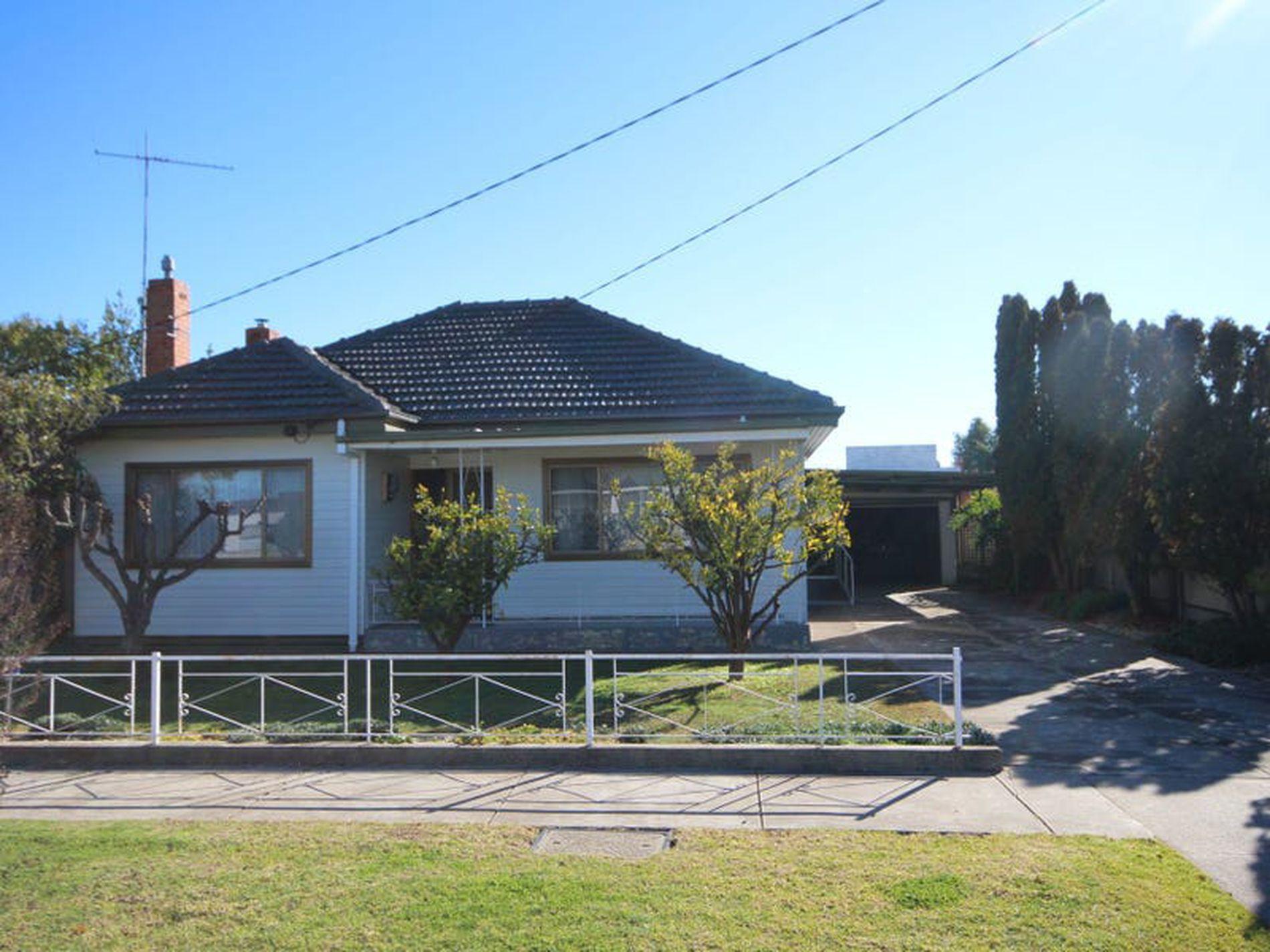 18 Sloan Street, Wangaratta
