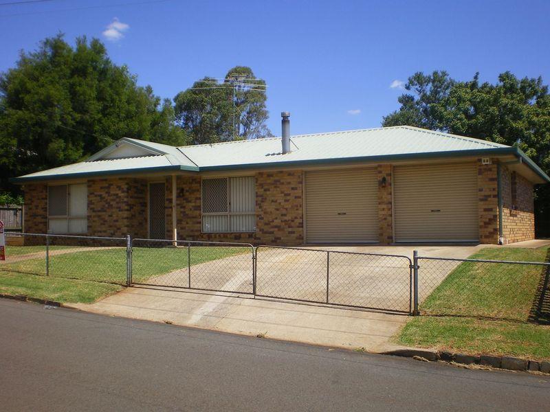 8 McCook Street, South Toowoomba