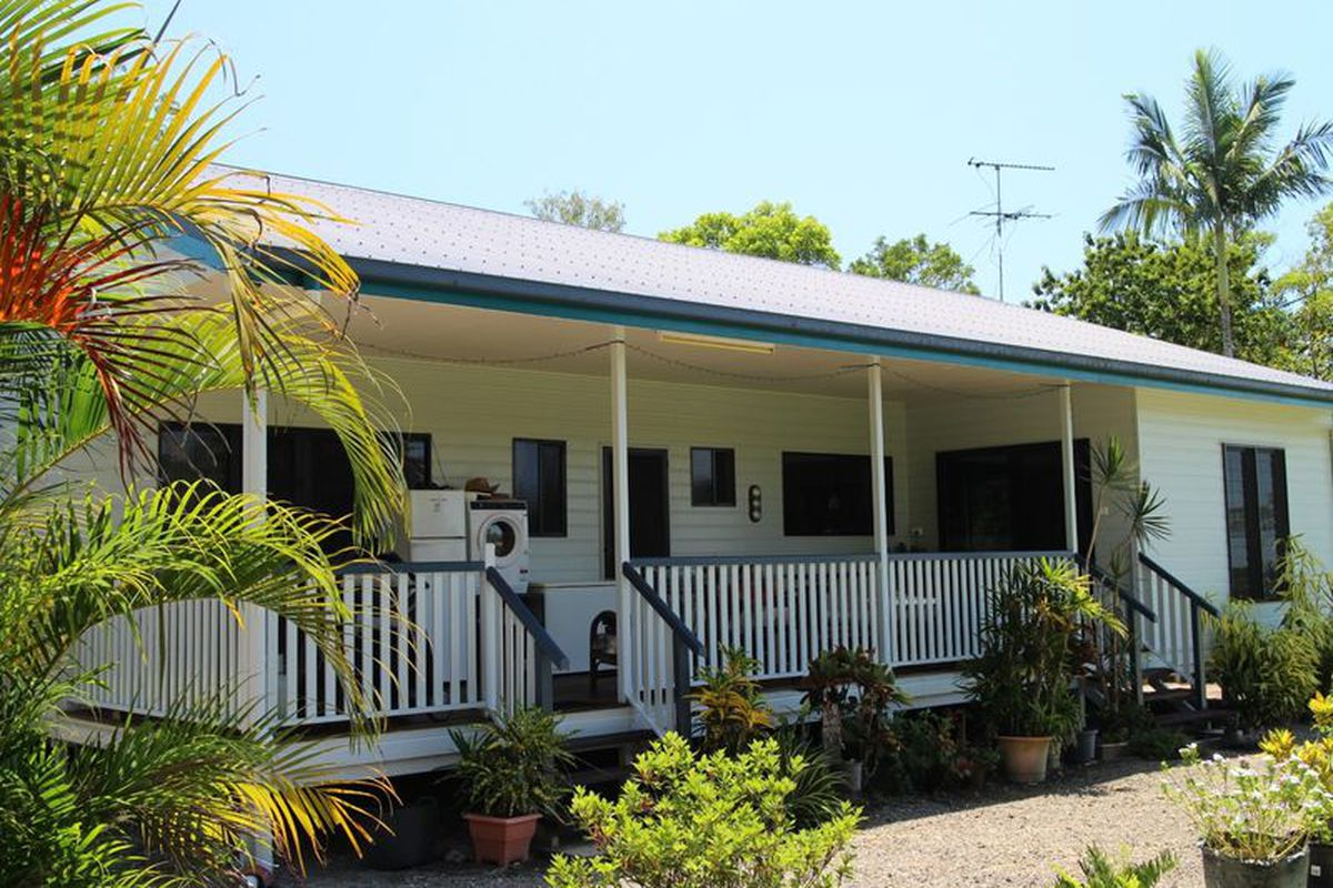 Gimme A Home Amongst The Gum Trees....on 20 Acres