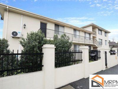 2 / 393 Barkly Street, Footscray