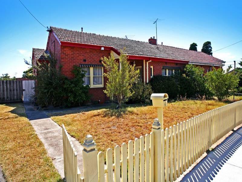 4 Pattison Avenue, North Geelong