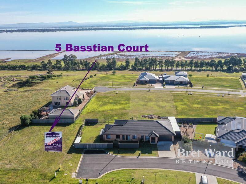 5 Basstian Court, Eagle Point