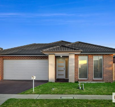7 Cups Court, Clyde North