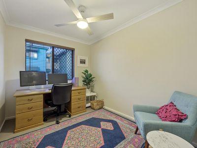 4 / 3 Tennivale Place, North Perth