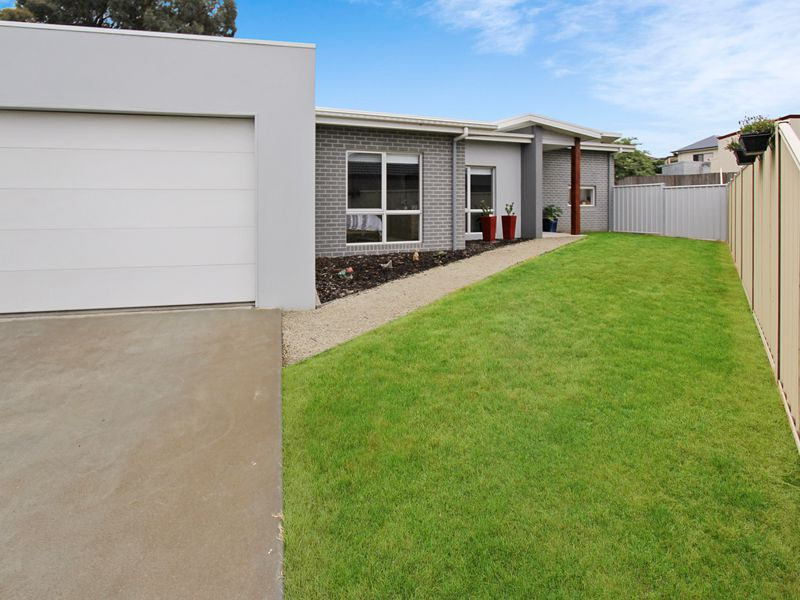 5 Fox Grove, Korumburra