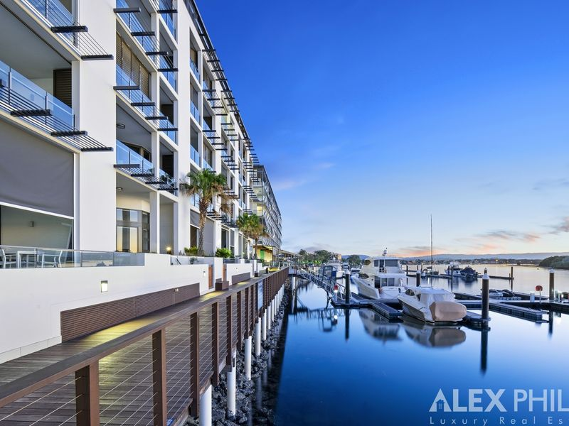 6604 / 6 Penthouse Marina Promenade Salacia Waters, Paradise Point