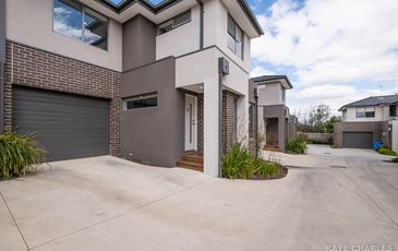 12 CASSA BLUE CIRCUIT, Narre Warren
