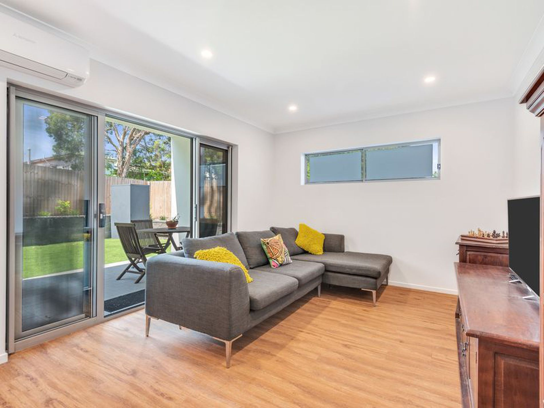1 / 69 Cook Street, Oxley