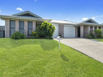 1 / 4 Coach Road West, Morayfield
