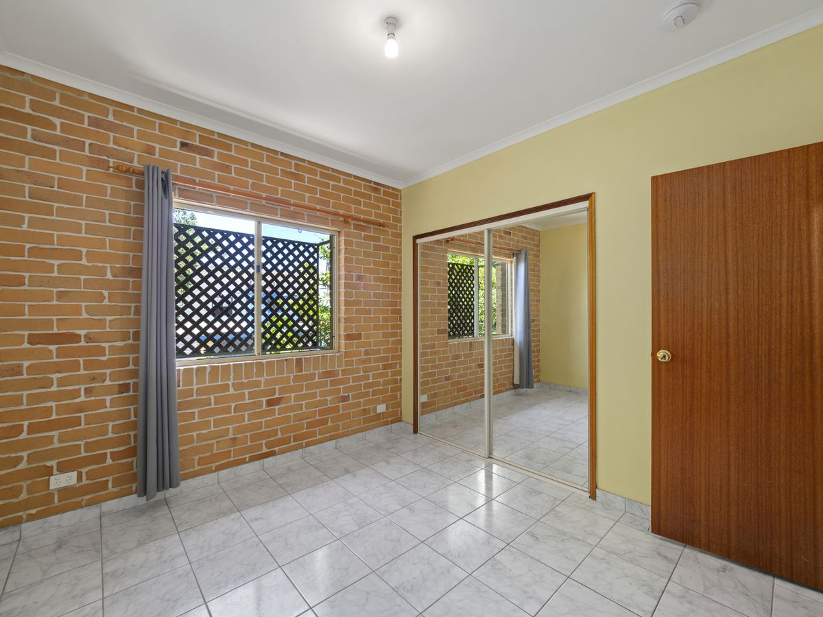 2 / 242 Sir Fred Schonell Drive, St Lucia