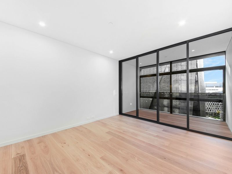 914 / 1 Chippendale Way, Chippendale