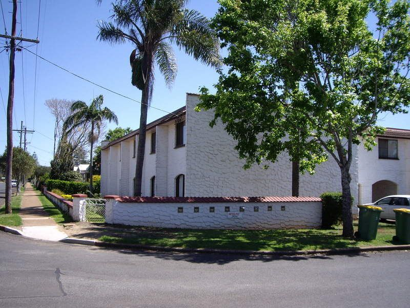 2 / 203 Campbell Street, Toowoomba