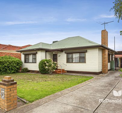 9 Highlawn Avenue, Airport West
