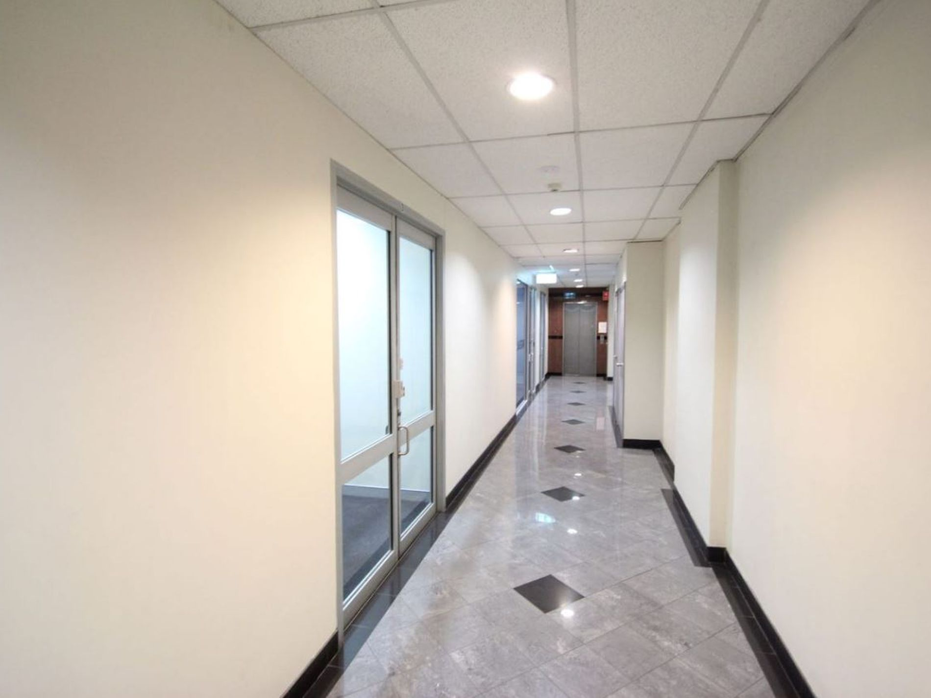 Suite 3, Level 2 / 186 Church St, Parramatta