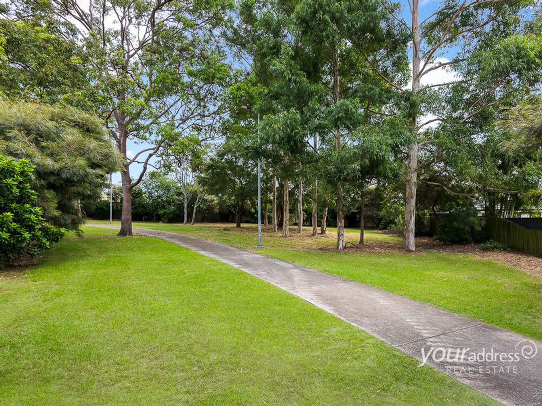 102 Bottlebrush Drive, Regents Park