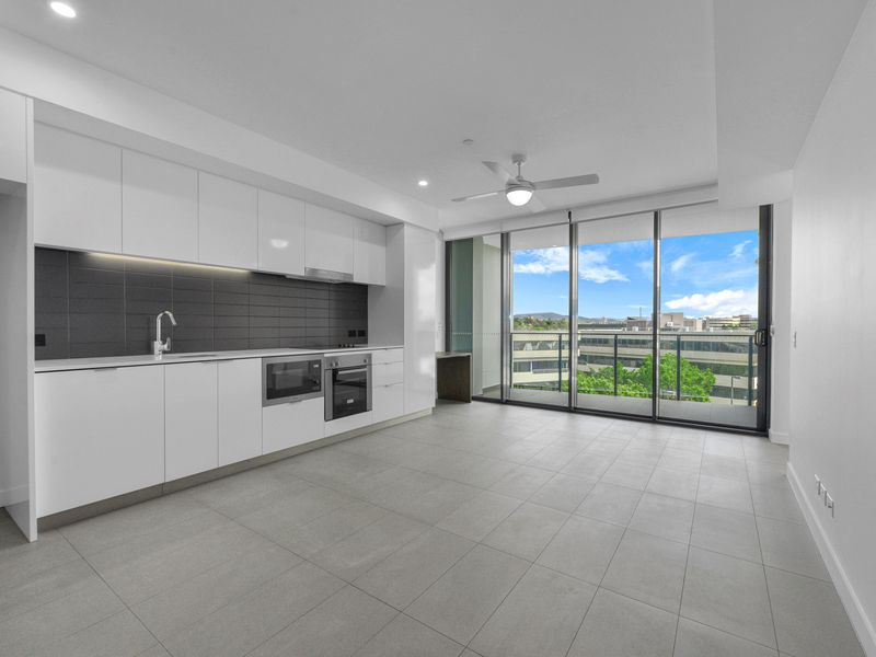 1210 / 10 Trinity Street, Fortitude Valley
