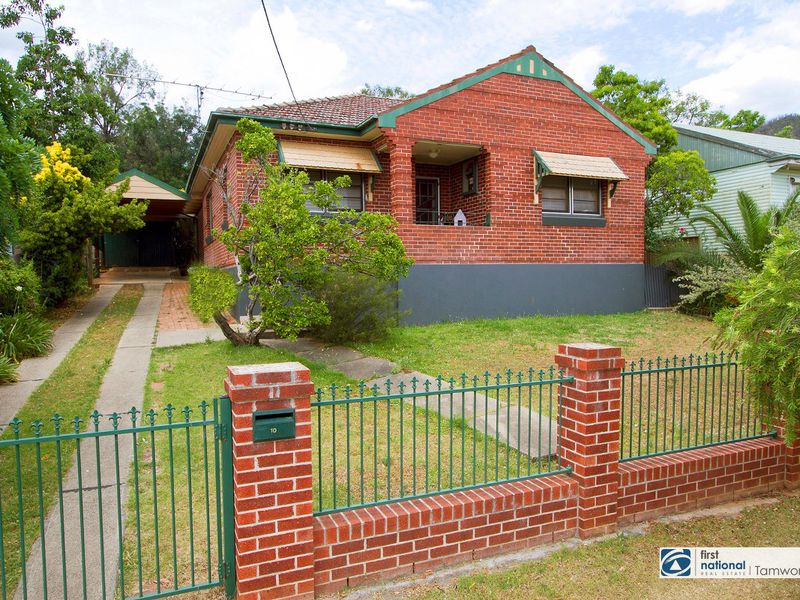 10 Douglas Avenue, Tamworth